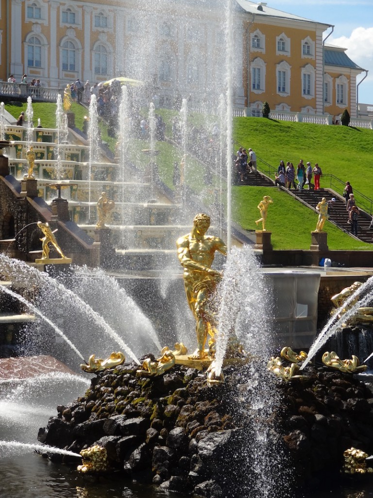 Springbrunnen Peterhof White Nights Marathon