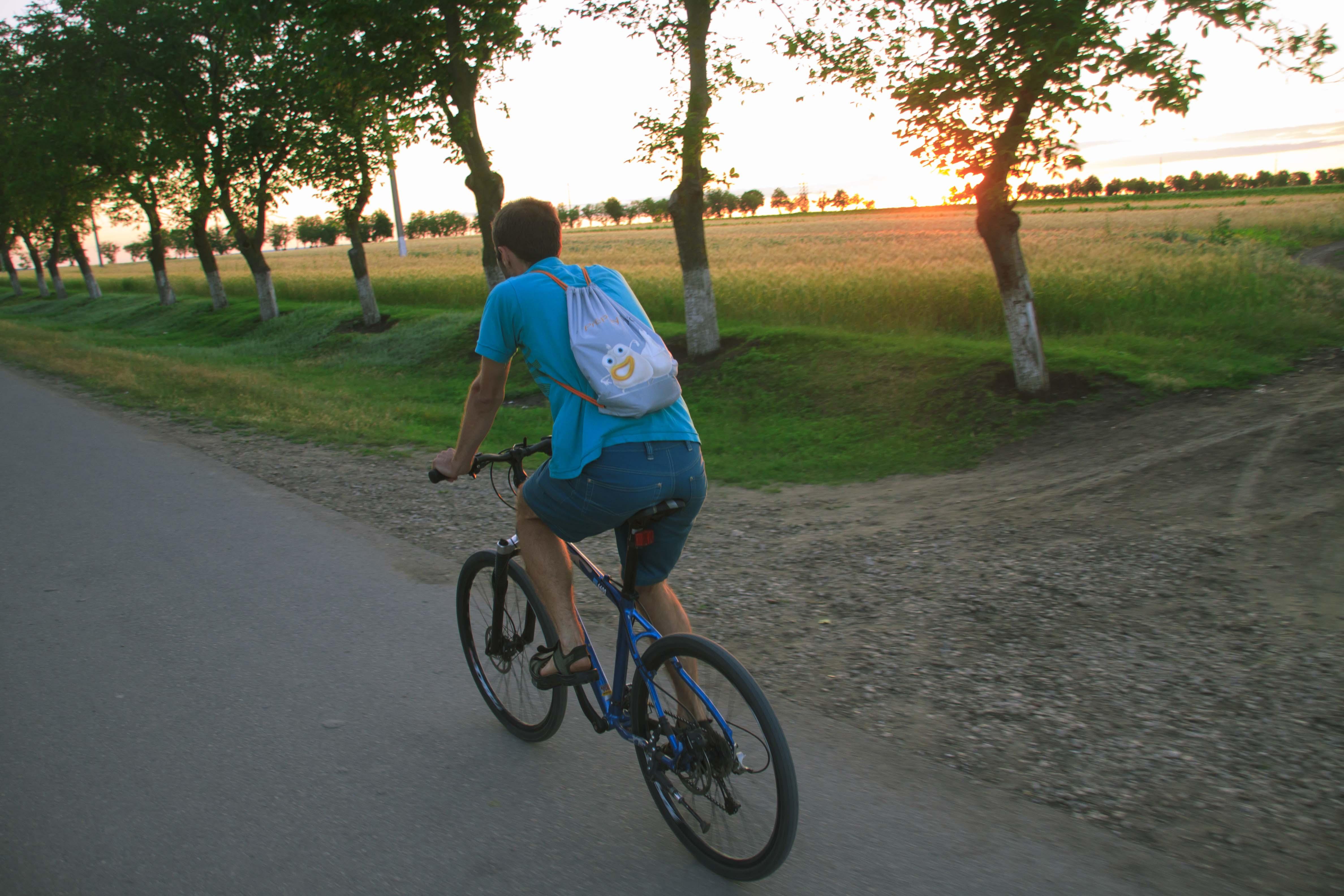 Radtour im Sonnenuntergang